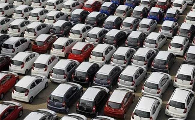 Crash-&-burn: Aug auto sales may plunge; 30% fall seen
