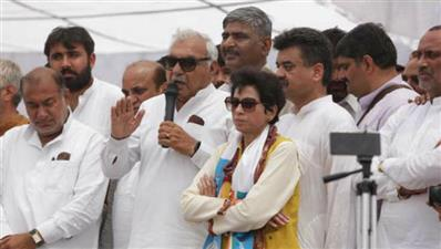 Selja, Hooda working together to revive Cong in Haryana